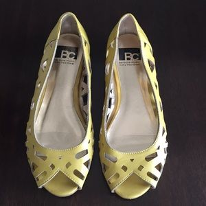 BC Footwear Yellow Peep toe Flats